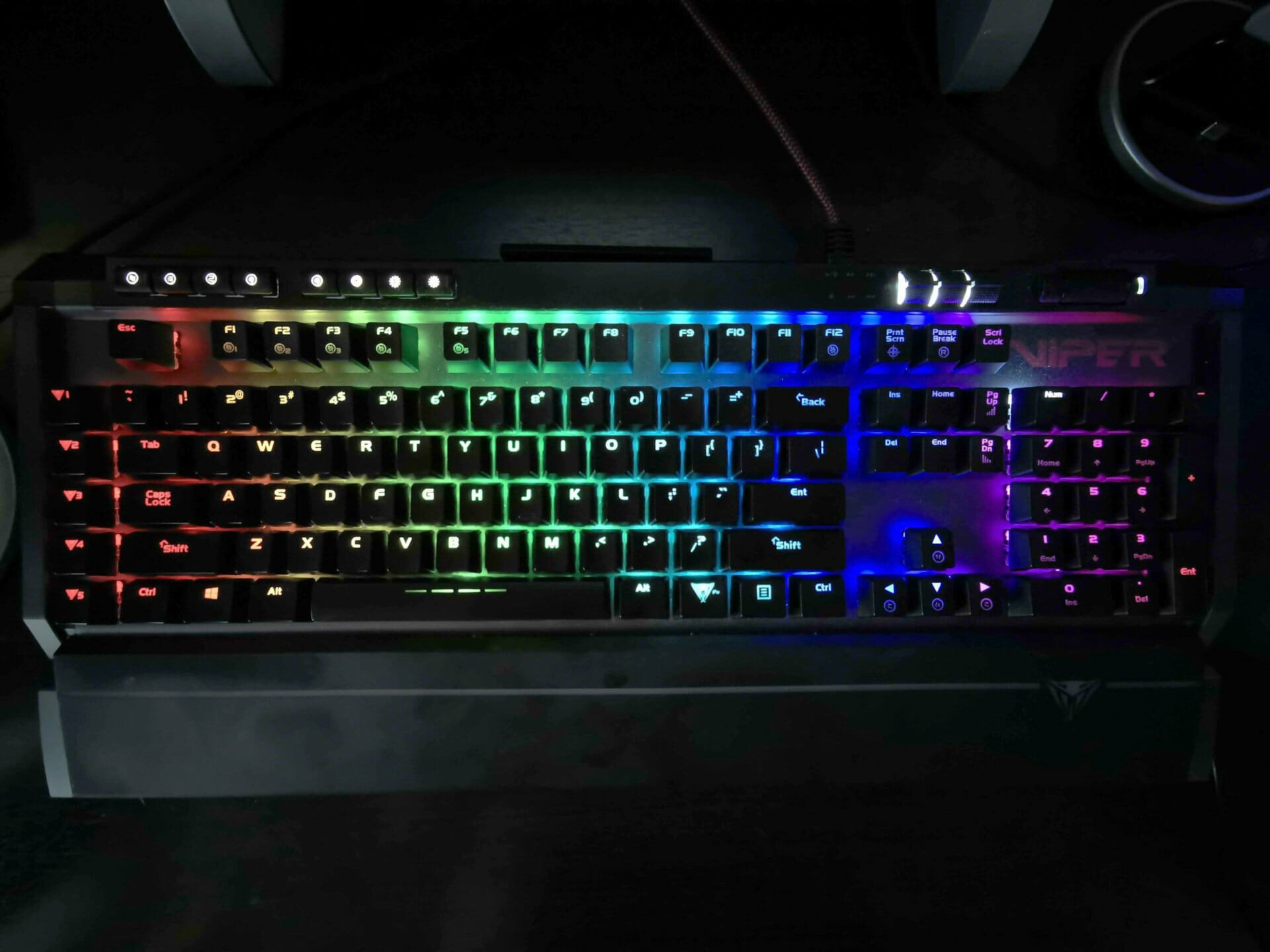 Viper Gaming V770 Mechanical Keyboard review 2