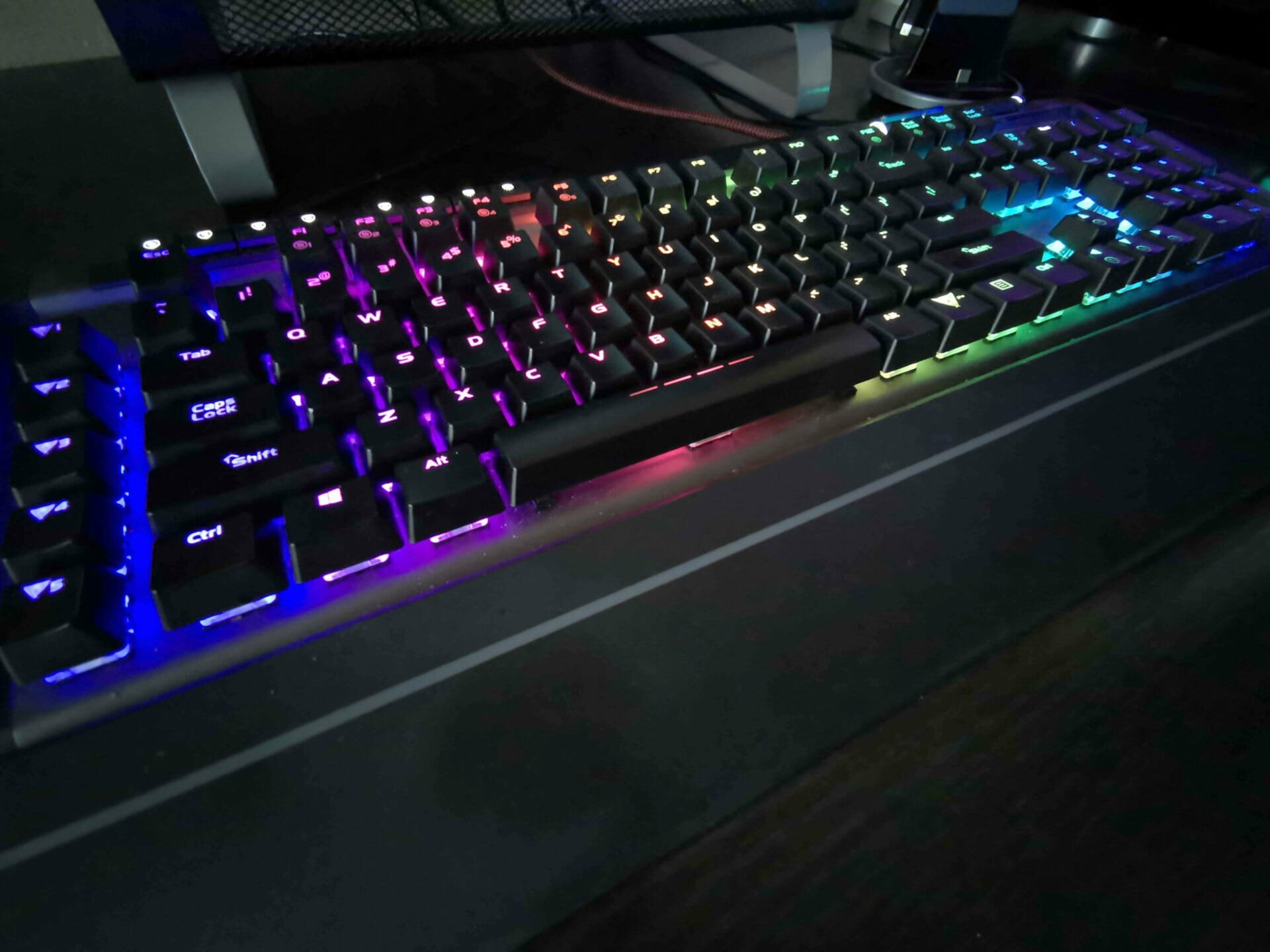 Viper Gaming V770 Mechanical Keyboard review 3